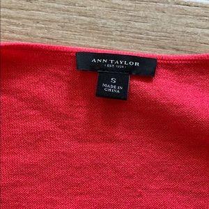 Ann Taylor sleeveless cowl neck light knit